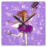 La púrpura protagoniza el reloj de pared de los ch