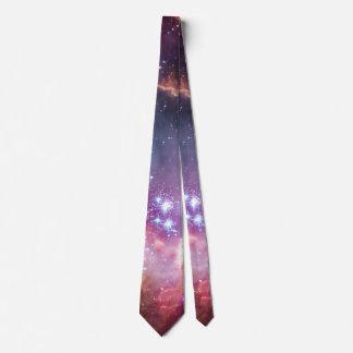 La púrpura protagoniza la astronomía de espacio de corbata