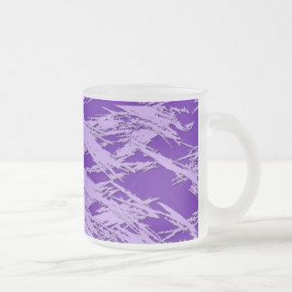 La púrpura rasguña la taza