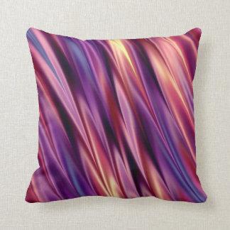 La púrpura raya colores de la puesta del sol cojín decorativo