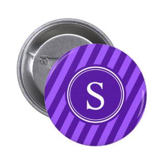 La púrpura raya el monograma pin redondo de 2 pulgadas