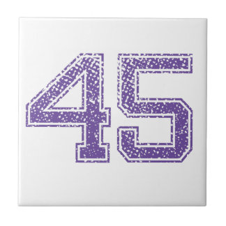 La púrpura se divierte el número 45.png de Jerzee Azulejo