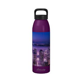 La púrpura sombrea el panorama de Seattle Botellas De Agua Reutilizables
