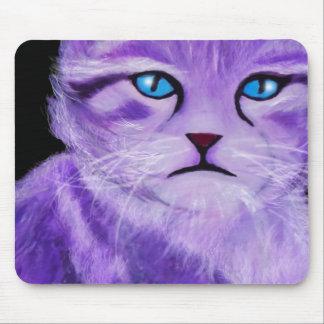 La púrpura única, lila pintó el gato con los ojos alfombrillas de ratones