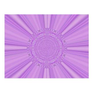 La púrpura violeta irradia el arte de Digitaces Tarjeta Postal