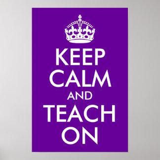 La púrpura y el blanco guardan calma y la enseñan  poster