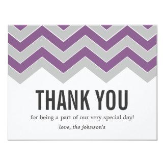 """La púrpura y el boda gris del diseño le agradecen invitación 4.25"""" x 5.5"""""""