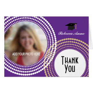 La púrpura y la graduación punteada oro de los tarjeta pequeña