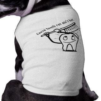 La putrefacción del diente no es caliente ropa perro