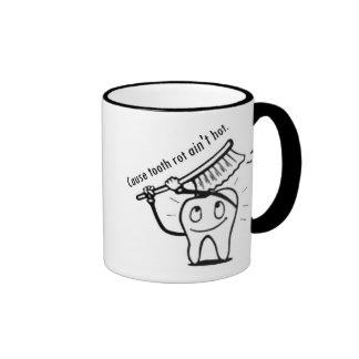 La putrefacción del diente no es caliente tazas de café