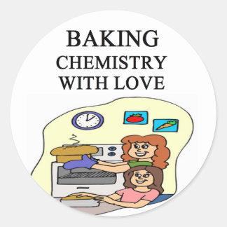 la química está cociendo pegatina redonda