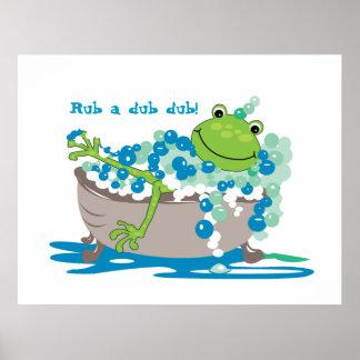 La rana en tina embroma el cuarto de baño de la ra póster