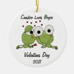 La rana personalizada besa el ornamento de la adornos de navidad
