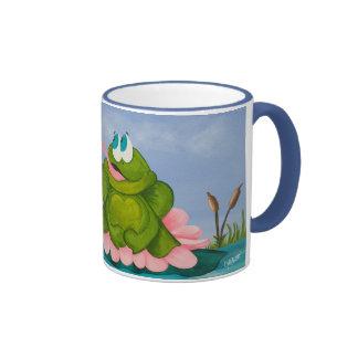 La rana temprana coge la mosca taza de café