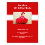 La raya blanca roja añade al fiesta de Childs de Invitaciones Personales