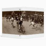 La raza de bicicleta 1905 limpia hacia fuera