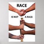 La raza no es un poster de la raza