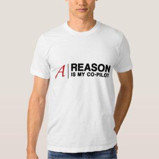 La razón es mi copiloto (para el camisetas ligero) remeras