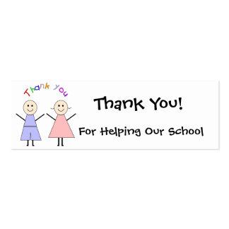 La recaudador de fondos de la escuela le agradece  tarjeta de visita