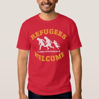 La recepción de los refugiados trae a sus familias polera