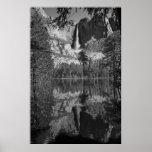La reflexión Ansel Adams de las cataratas de Yosem Impresiones