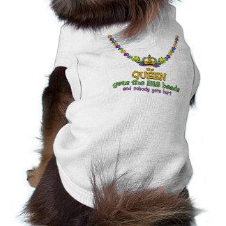 La reina consigue las gotas GRANDES Camisetas Mascota