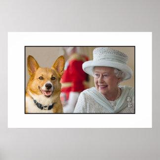 La reina Elizabeth II comparte una risa con su Cor Posters
