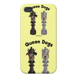La reina persigue ajedrez iPhone 4 fundas