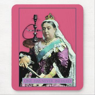 La reina y la cachimba alfombrilla de ratón