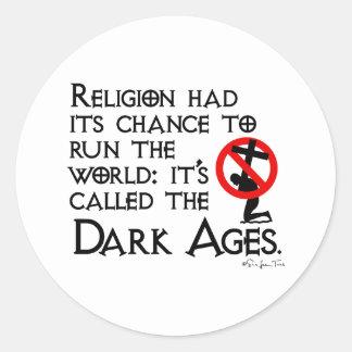La religión nos dio las edades oscuras pegatina redonda