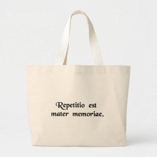 La repetición es la madre de la memoria bolsa tela grande