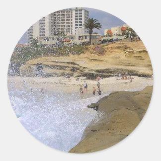 La resaca vara las olas oceánicas La Jolla Pegatina Redonda