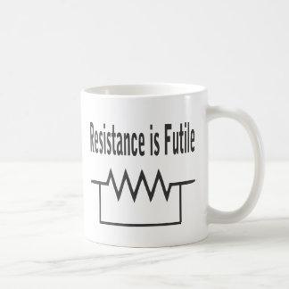 La resistencia es vana tazas de café