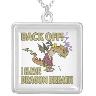 la respiración del dragón permanece lejos el dibuj colgante cuadrado