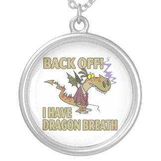 la respiración del dragón permanece lejos el dibuj colgante redondo