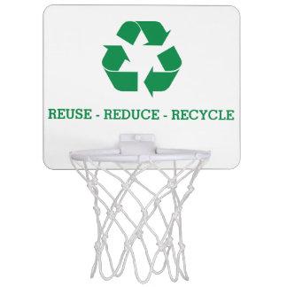 La reutilización reduce recicla minicanasta