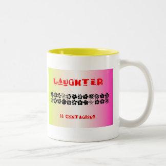 La risa es contagiosa taza de dos tonos