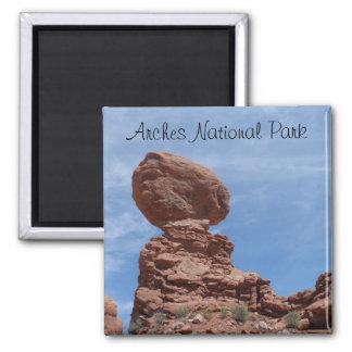 La Roca equilibrada arquea el parque nacional Imán Cuadrado