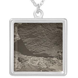 La roca talló por la nube de arena baja, lavado ma colgante personalizado