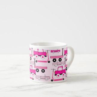 La rosa fuerte rueda el carro de las vespas de los taza espresso