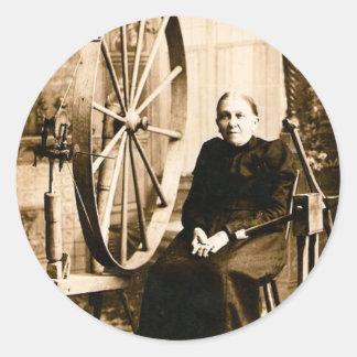 La rueda de hilado Louis Pesha de la abuela Pegatina Redonda