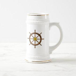 La rueda de la nave de madera taza de café