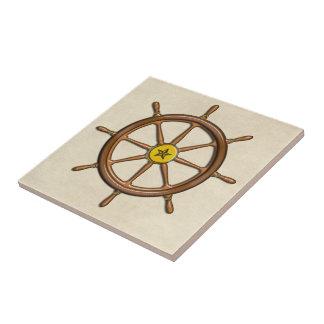 La rueda de la nave náutica de madera azulejo cerámica