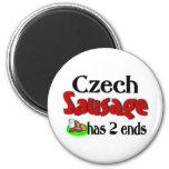 La salchicha checa tiene 2 extremos imán de frigorifico