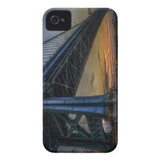 La salida del sol de Benjamin Franklin iPhone 4 Case-Mate Cárcasas