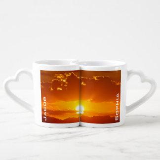 La salida del sol de lunes (personalizada) taza para enamorados