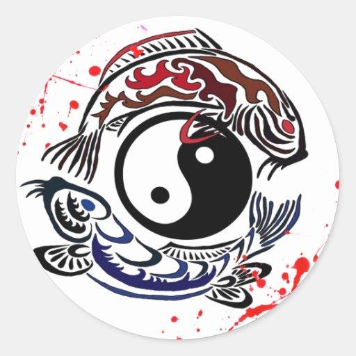 La salpicadura fresca Yin Yang Koi de la sangre Etiqueta Redonda