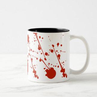 La sangre del horror salpica la taza de café