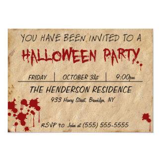 La sangre manchó la invitación de papel del fiesta