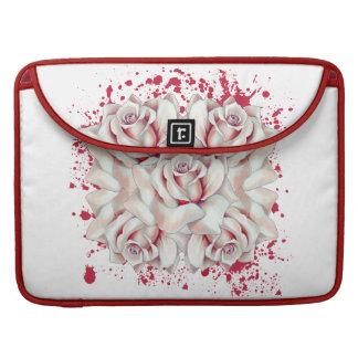 La sangre salpicó rosas funda para macbook pro